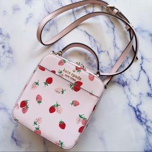 🍓 Kate Spade Daisy Vanity Strawberries Crossbody